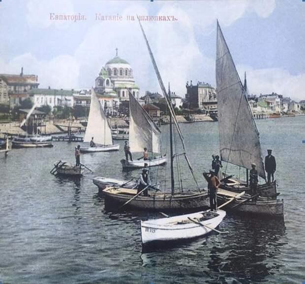 Вид с пристани на шлюпки на фотографии начала ХХ в. Фото: предоставлены Черноморским центром подводных исследований