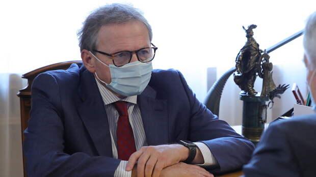 Предприниматели закрытых аксайских рынков недовольны приездом Титова
