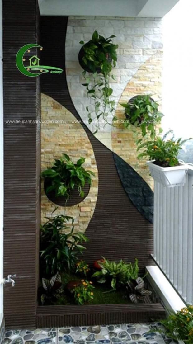 Вертикальная балконная клумба