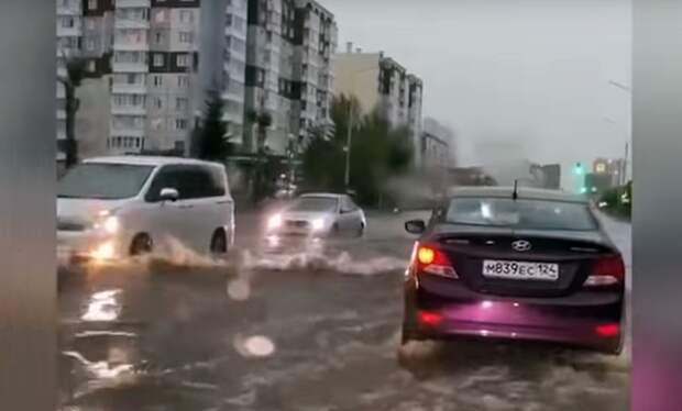Потоп в Красноярске: «машины плыли как кораблики»