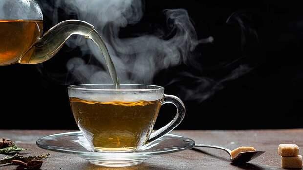 Угроза для печени: когда чай становится опасным, рассказала диетолог