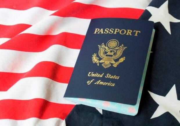 Все больше американцев отказывается от паспорта США