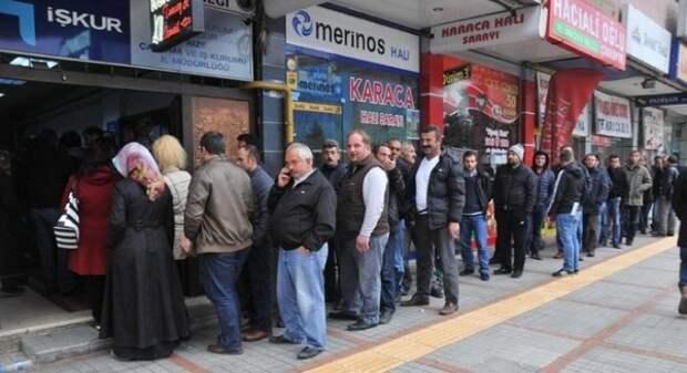 Турецкой «армии миллионеров» прибыло нафоне двузначной инфляции ибезработицы