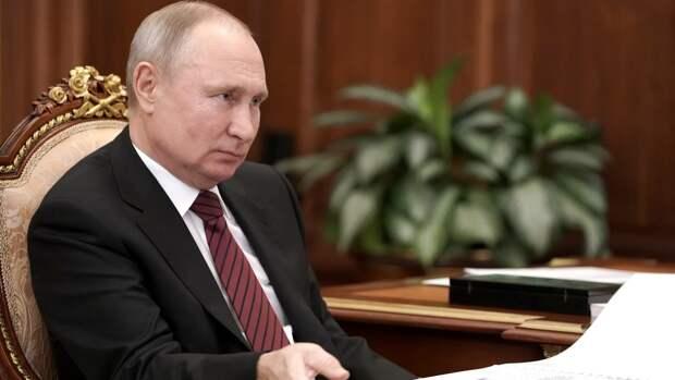 Владимир Путин предложил наградить учителей гимназии в Казани
