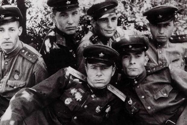Солдаты, которых не любили в армии СССР