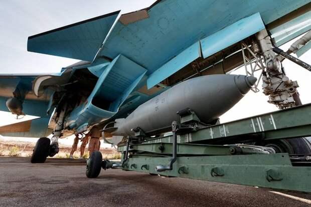 Су-34 ВКС России нанесли групповой удар по сирийским террористам
