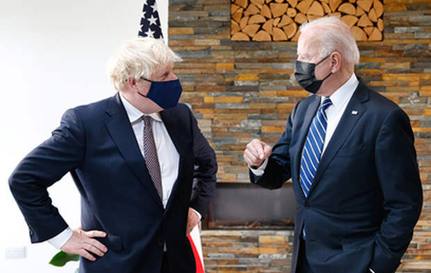 Байден обсудил с Джонсоном Россию