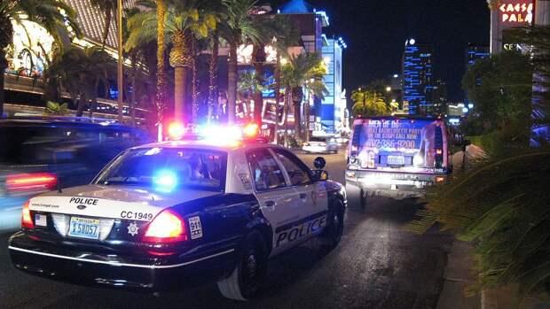 Три человека пострадали в результате стрельбы в торговом центре Флориды