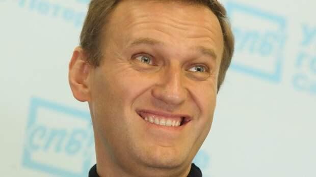 Верхушка штабов Навального массово сбегают за границу