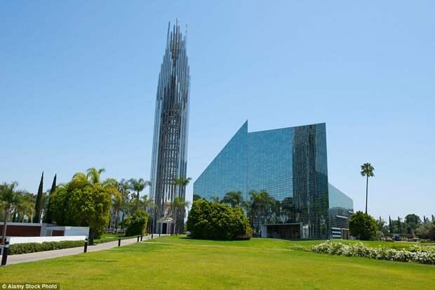 Хрустальный собор в городе Гарден-Гров