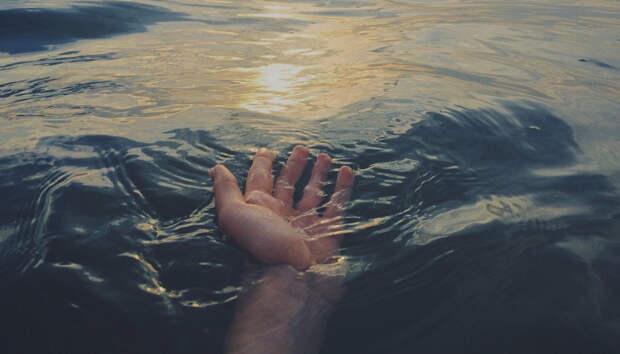 Два человека утонули на озере в Карелии