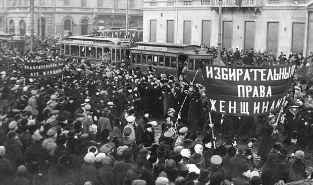 Восстание женщин-текстильщиц: кто на самом деле начал Февральскую революцию