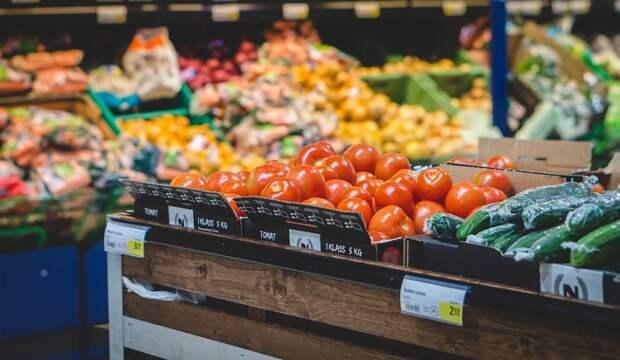 Еда даром: в Госдуме обсуждают возможность раздачи людям продуктов с истекающим сроком годности