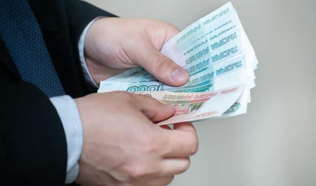 Полиция поймала вора, который вытащил 600 тыс. рублей из машины на пляже в Энергетике