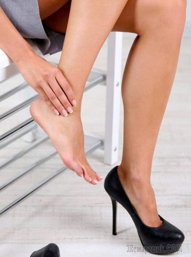 Сводит ноги судорогой: что делать