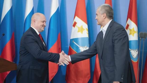 Аксенов и Развожаев стали самыми непопулярными губернаторами в соцсетях