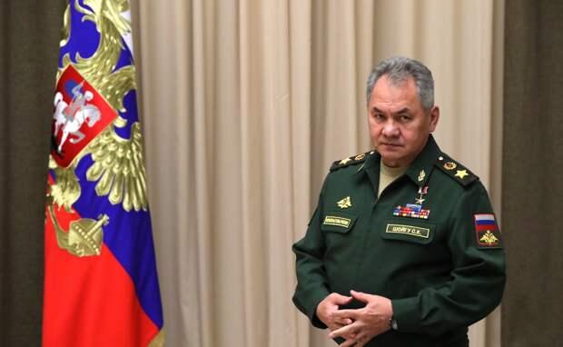 Шойгу приехал в Крым посмотреть на масштабные учения армии РФ
