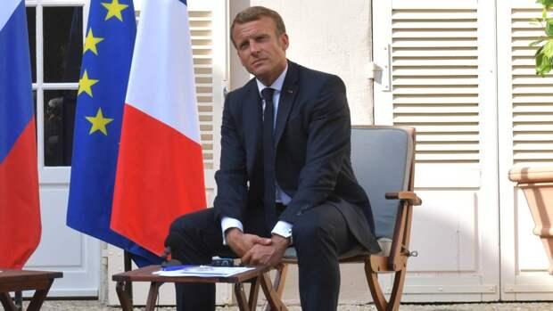 Французские полицейские в отставке призвали Макрона усилить безопасность