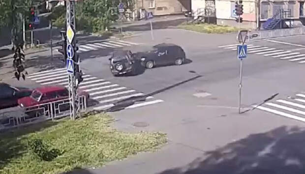 Две женщины пострадали в аварии в центре Петрозаводска