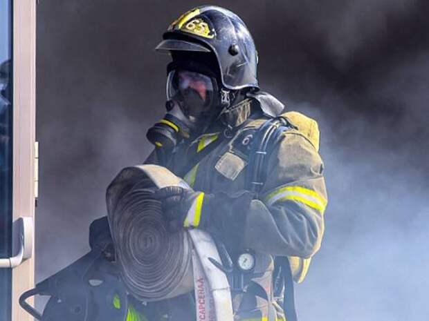 В Петербурге горит дом Басевича