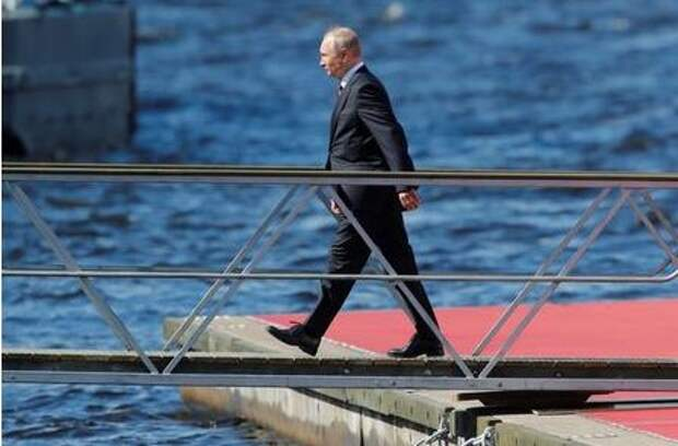 Russia's President Vladimir Putin arrives to attend the Navy Day parade in Saint Petersburg, Russia July 26, 2020. Dmitri Lovetsky/Pool via REUTERS
