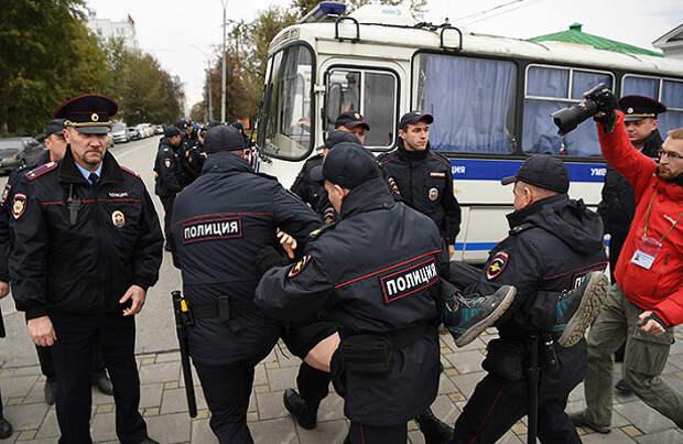 За поддержку Навального студента оштрафовали на 400 стипендий