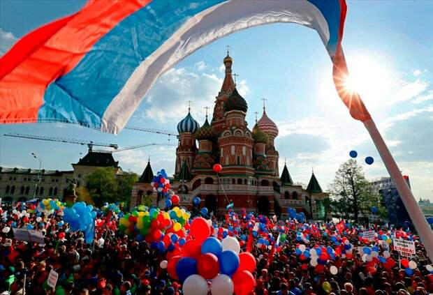 Как поправки в основной закон страны помогут России стать более независимой