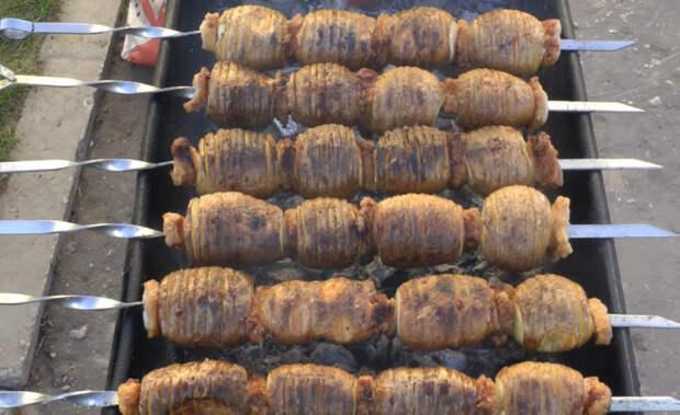Самый вкусный и ароматный шашлык из картофеля. Рецепт бомба