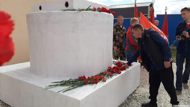 «Суть времени» восстановила памятник Сталину на Урале