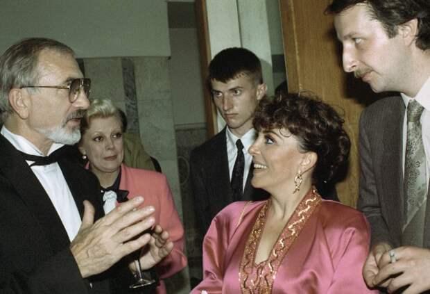 """Дикая Роза"" Вероники Кастро"