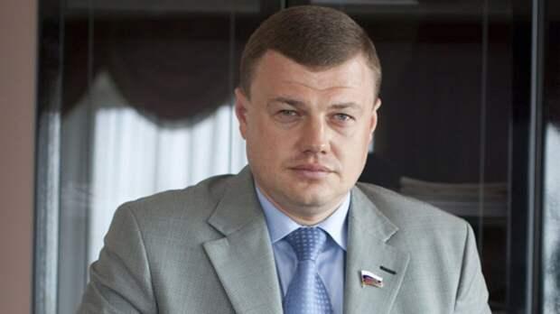 Главы Тамбовской и Нижегородской областей поручили усилить меры безопасности в школах