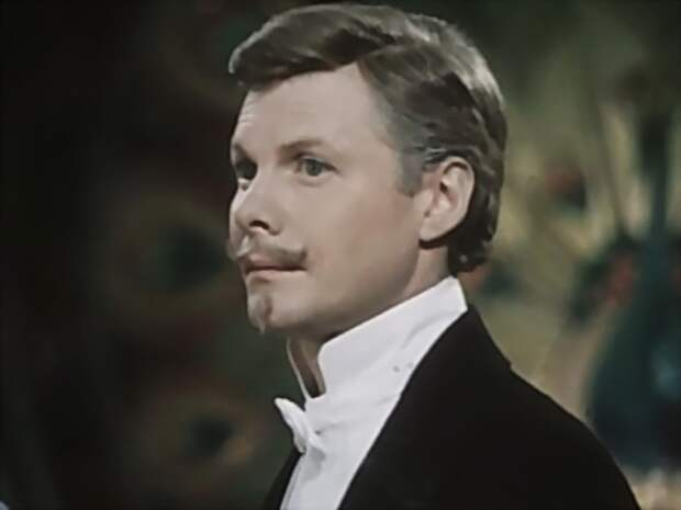 Виталий Соломин в фильме *Летучая мышь*, 1978 | Фото: kino-teatr.ru
