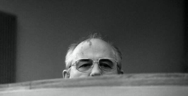 """Где этот """"меченый"""" Горбачёв? Люди скорбят по Нине Андреевой, вспоминая """"предателей Родины"""""""