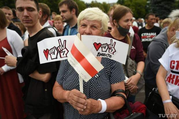 Пасторальные картинки протестов против Лукашенко