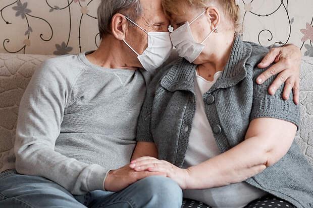 Прожившие в браке 63 года итальянцы умерли в один день от COVID-19
