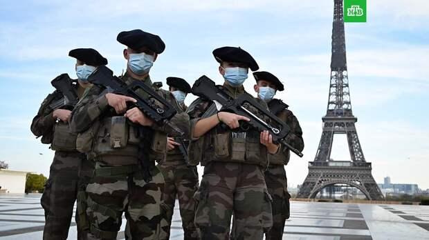 Военные Франции вновь предупредили Макрона о «тлеющей гражданской войне»
