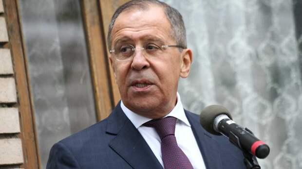 Лавров объяснил внесение Чехии и США в список недружественных стран