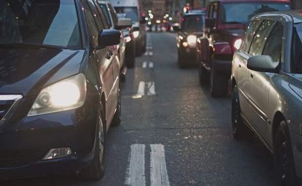 Медработница из Нью-Йорка и 2 детей чудом выжили, когда шесть пуль попали в машину