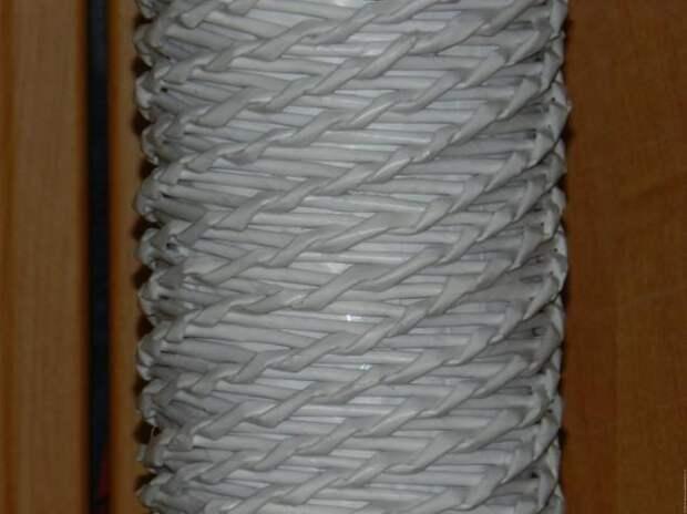 Плетём оригинальную напольную вазу