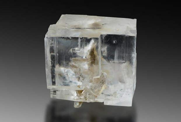 Каменная соль - кристаллическая форма обычной