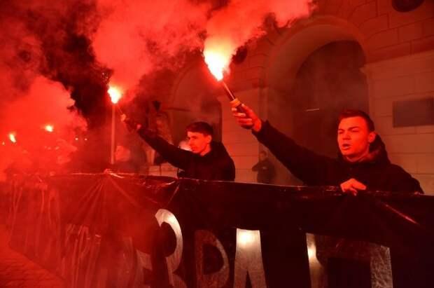 Во Львове в День Победы неизвестные расклеили антисемитские листовки