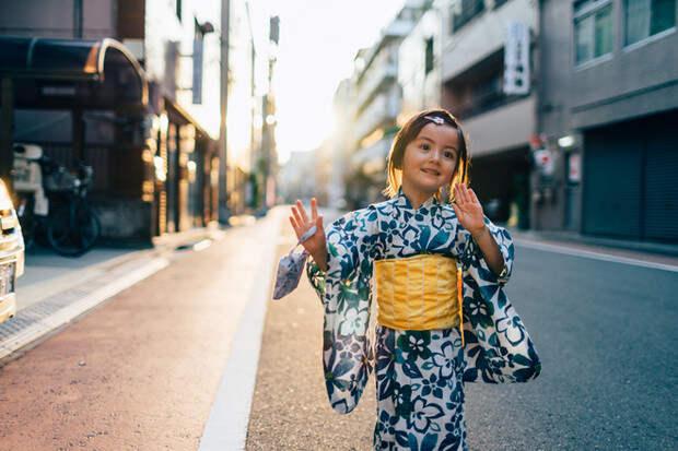 10 удивительных фактов, как воспитывают детей в разных странах