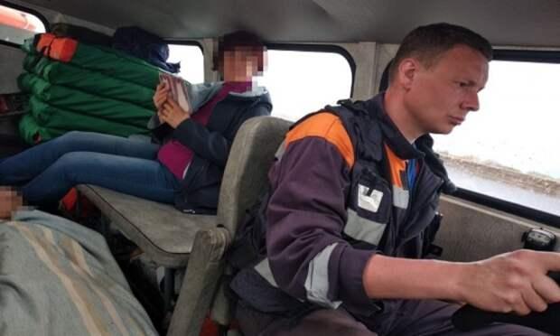 Архангельские спасатели эвакуировали с островов двух человек