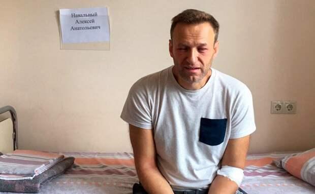 """Отравленный типа """"Новичком"""" Навальный вышел из комы. А так бывает?"""