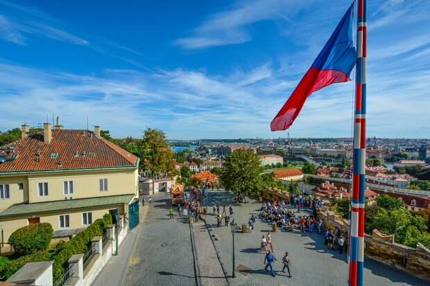 Чехия намерена потребовать от России компенсацию за взрывы во Врбетице