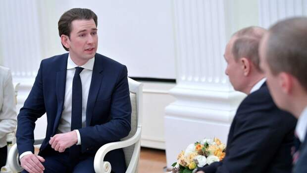 Канцлер Австрии выразил надежду на проведение в стране переговоров Байдена и Путина