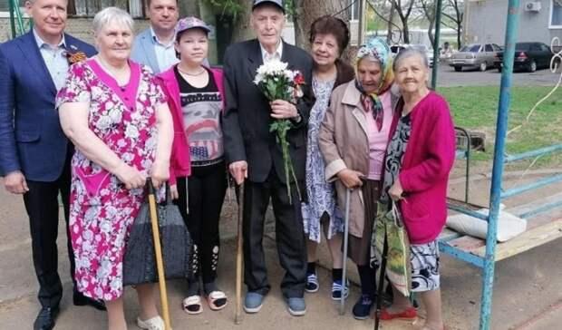 В Оренбурге ветерана ВОВ Ивана Горина поздравили с наступающим Днем Победы