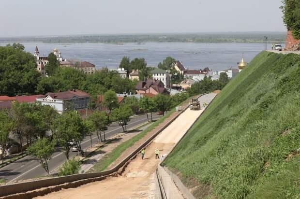 Благоустройство Кремлевского бульвара завершится до 30 июля