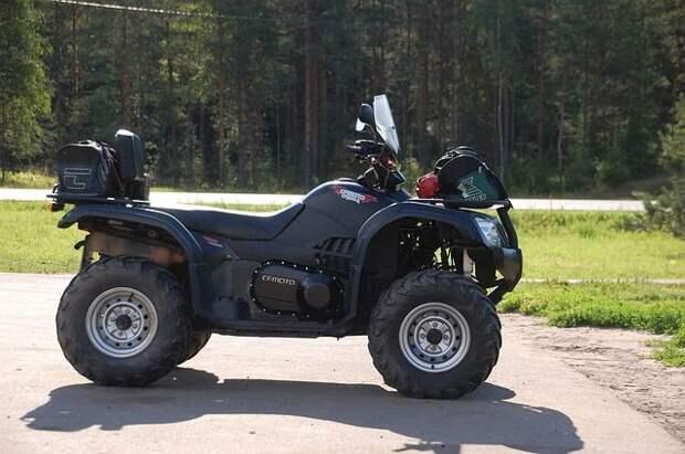 Полиция показала болота, в которых застрял квадроцикл омского министра