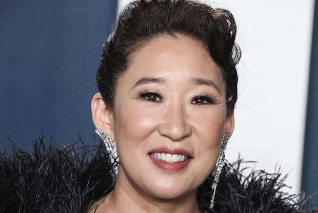 The Chair: Sandra Oh's New Netflix Comedy From GoT Showrunners Gets Premiere Date and... a News Clipping?